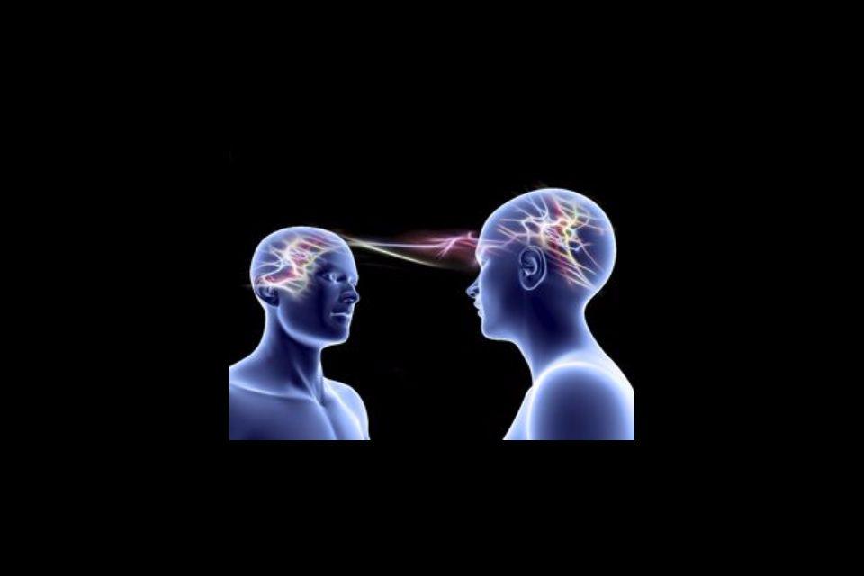 Come apprendiamo osservando l'altro: imitazione e neuroni specchio